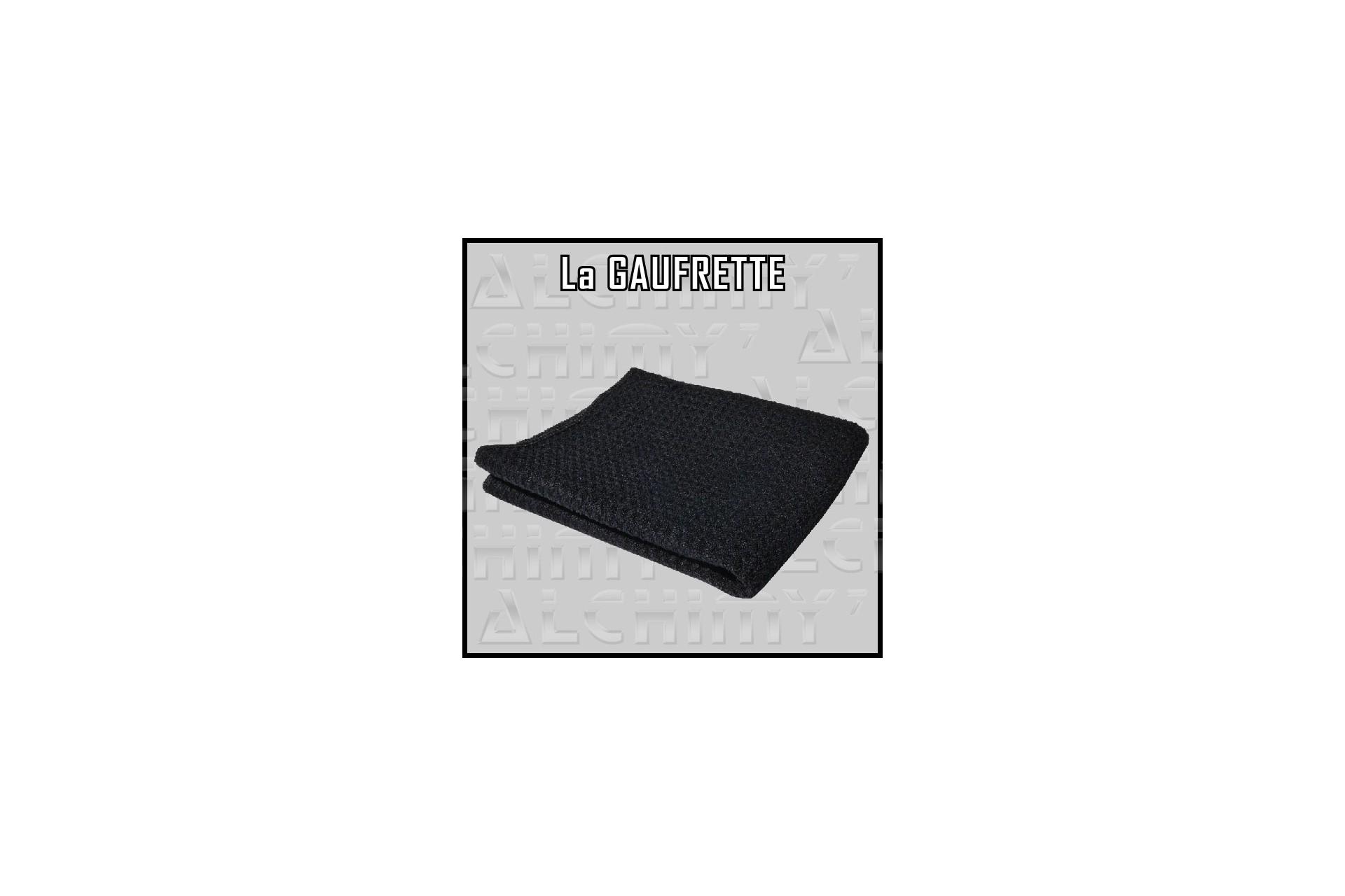 Le gaufrage de la Gaufrette la rend plus agressive et absorbante que d'autres serviettes de même taille.