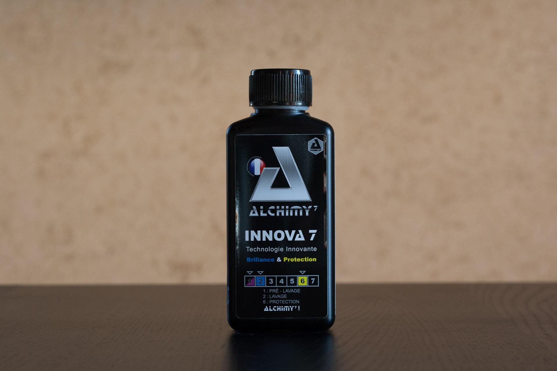 Innova 7 est un shampoing aux superbes rendus visuels et olfactifs - bouteille de 200 millilitres.